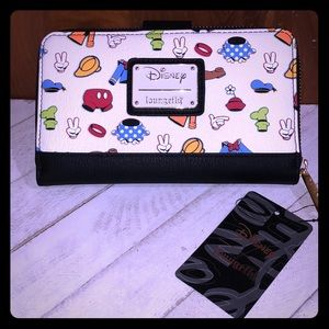 Loungefly Mickey Clothes Wallet